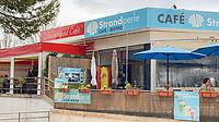 Schwarzwald Cafe und Cafe Strandperle an der Promenade von Paguera - Peguera 25.05.2019: Mallorca
