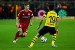 10.11.2018, Signal Iduna Park, Dortmund, GER, 1.FBL, Borussia Dortmund vs FC Bayern M&uuml;nchen, DFL REGULATIONS PROHIBIT ANY USE OF PHOTOGRAPHS AS IMAGE SEQUENCES AND/OR QUASI-VIDEO<br /> <br /> im Bild | picture shows:<br /> Joshua Kimmich (Bayern #32) im Duell mit Mahmoud Dahoud (Borussia Dortmund #19), <br /> <br /> Foto &copy; nordphoto / Rauch