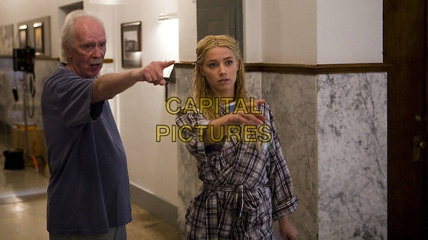 DIRECTOR JOHN CARPENETR & AMBER HEARD.on the set of The Ward.*Filmstill - Editorial Use Only*.CAP/FB.Supplied by Capital Pictures.