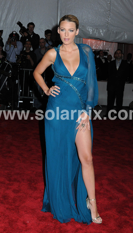 "**ALL ROUND PICTURES FROM SOLARPIX.COM**.**SYNDICATION RIGHTS FOR UK, AUSTRALIA, DENMARK, PORTUGAL, S. AFRICA, SPAIN & DUBAI (U.A.E) ONLY**.Arrivals at ""The Model as Muse: Embodying Fashion"" Costume Institute Gala at The Metropolitan Museum of Art, New York City, NY, USA.This pic:   Blake Lively.JOB REF:  8957   PHZ/WILD1    DATE:  04.05.09.**MUST CREDIT SOLARPIX.COM OR DOUBLE FEE WILL BE CHARGED**.**ONLINE USAGE FEE GBP 50.00 PER PICTURE - NOTIFICATION OF USAGE TO PHOTO @ SOLARPIX.COM**.**CALL SOLARPIX : +34 952 811 768 or LOW RATE FROM UK 0844 617 7637**"