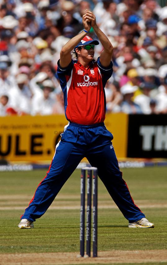 Photo: Glyn Thomas..England v Australia. .The Natwest Series. 19/06/2005...England's Kevin Pietersen.