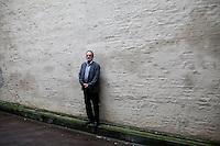 Oslo, Norge, 02.11.2012. Jon Michelet (født 14. juli 1944 i Moss) er en norsk forfatter, sønn av kunstmaleren Johan Fredrik Michelet og far til forfatteren Tania Michelet og journalisten Marte Michelet. Han er utdannet overstyrmann og har dessuten studert ved Journalistskolen i Oslo. Michelet har arbeidet som sjømann, bryggearbeider, journalist, TV-vert, redaktør, forlagsmedarbeider og forfatter. Foto: Christopher Olssøn.