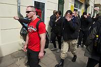 Gegen den Protest mehrerer tausend Menschen setzte die Polizei am 1. Mai in Berlin einen Aufmarsch von ca. 300 Neonazis aus ganz Deutschland durch. Es gab mehrere Versuche die Marschroute mit Blokaden zu sperren, so auch einer Betonpyramide, an die sich 4 Menschen angekettet hatten.<br />Im Bild: Neonazis auf dem Weg zum Aufmarsch.<br />1.5.2013, Berlin<br />Copyright: Christian-Ditsch.de<br />[Inhaltsveraendernde Manipulation des Fotos nur nach ausdruecklicher Genehmigung des Fotografen. Vereinbarungen ueber Abtretung von Persoenlichkeitsrechten/Model Release der abgebildeten Person/Personen liegen nicht vor. NO MODEL RELEASE! Don't publish without copyright Christian Ditsch/version-foto.de, Veroeffentlichung nur mit Fotografennennung, sowie gegen Honorar, MwSt. und Beleg. Konto:, I N G - D i B a, IBAN DE58500105175400192269, BIC INGDDEFFXXX, Kontakt: post@christian-ditsch.de.<br />Urhebervermerk wird gemaess Paragraph 13 UHG verlangt.]