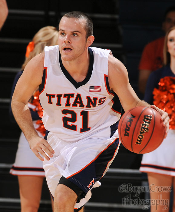 11/06/10, Fullerton Ca.; The CSUF Titans beat the division 2 team from Cal State LA.