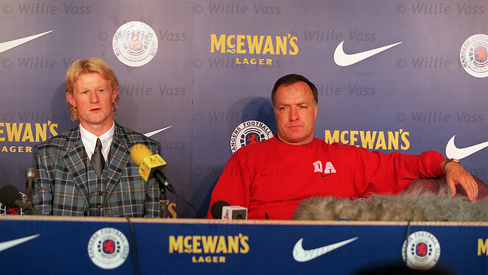 Colin Hendry signs for Rangers with a less than pleased Dick Advocaat