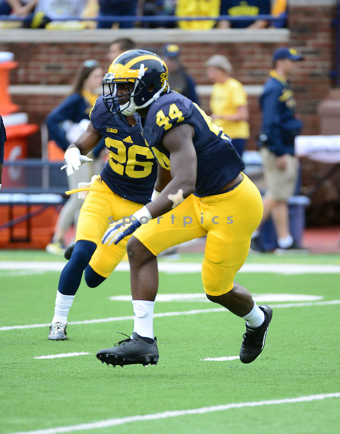 Michigan Wolverines Delano Hill (44) during a game against the UNLV Rebels on September 19, 2015 at Michigan Stadium in Ann Arbor, MI. Michigan beat UNLV 28-7.