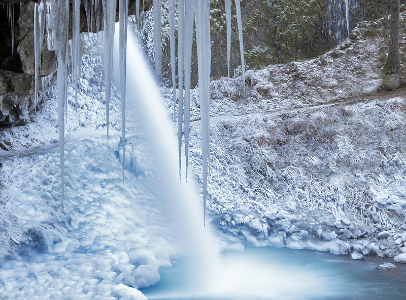 Upper Horsetail Falls with ice. Columbia River Gorge National Scenic Area. Oregon