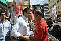 SAO PAULO, SP, 13 AGOSTO 2012 - ELEICOES SP - GABRIEL CHALITA - O candidato do PMDB a prefeitura de Sao Paulo Gabriel Chalita, durante caminha na regiao da Rua 25 de marco no centro da capital paulista, nesta segunda-feira, 13. (FOTO: THAIS RIBEIRO / BRAZIL PHOTO PRESS).