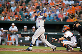 New York Mets shortstop Wilmer Flores (4) bats in the second inning against the Baltimore Orioles at Oriole Park at Camden Yards in Baltimore, Maryland on Wednesday, August 19, 2015.  The Orioles won the game 5 - 4.<br /> Credit: Ron Sachs / CNP<br /> (RESTRICTION: NO New York or New Jersey Newspapers or newspapers within a 75 mile radius of New York City)