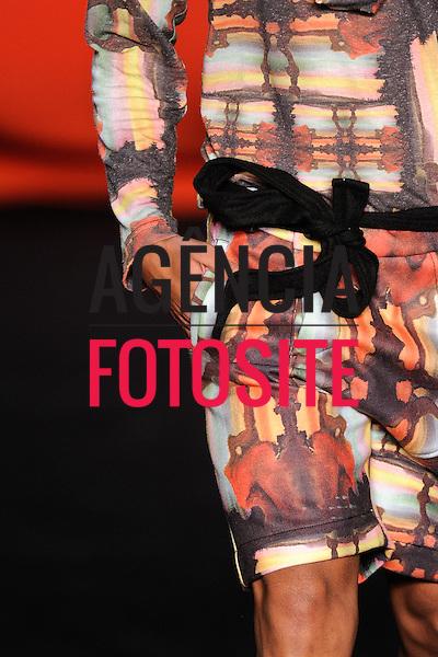 Rio de Janeiro, Brasil – 14/01/2012 - Detalhes do desfile de Oestudio durante o Fashion Rio  -  Inverno 2012. Foto : Marcelo Soubhia / Agência Fotosite