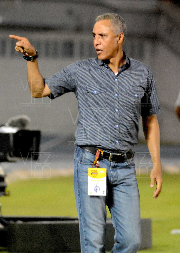 BARRANQUILLA  -COLOMBIA, 21-FEBRERO-2015. Alexis Mendoza director tecnico  del Atletico Junior    contra Jaguares  durante partido por la fecha 5 de la Liga çguila I 2015 jugado en el estadio Metropolitano  de la ciudad de Barranquilla./ Alexis Mendoza coach  of  Atletico Junior   against Jaguares  during the match for the fifth date of the Liga  Aguila  I 2015 played at Metropolitano  stadium in Barranquilla city<br />  . Photo / VizzorImage / Alfonso Cervantes / Stringer