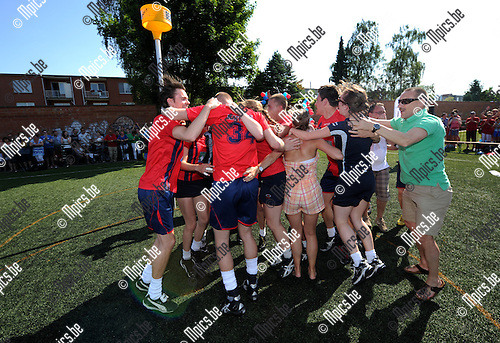 2012-05-27 / Korfbal / seizoen 2011-2012 / Veldfinale Boeckenberg - Sikopi / Sikopi viert..Foto: Mpics.be