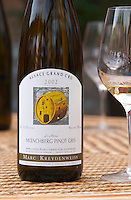 Le Moine moenchberg Pinot Gris 2002. Illustration P Poirot. Domaine Marc Kreydenweiss, Andlau, Alsace, France
