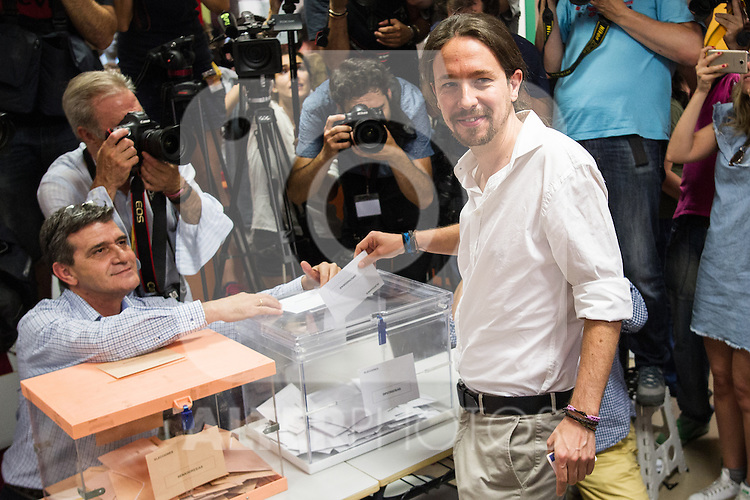 Spanish politician Pablo Iglesias, leader of Unidos Podemos party, casts his vote for the national elections of june 26 in Madrid, Spain. 26,06,2016. (ALTERPHOTOS/Rodrigo Jimenez)