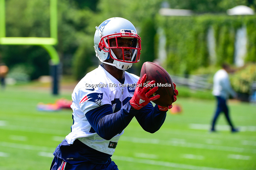 June 13, 2017: New England Patriots running back James White (28) runs after the catch at the New England Patriots organized team activity held on the practice field at Gillette Stadium, in Foxborough, Massachusetts. Eric Canha/CSM