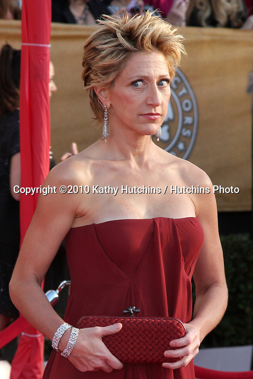 Edie Falco.arriving at the 2010 Screen Actor's Guild Awards.Shrine Auditorium.Los Angeles, CA.January 23, 2010.©2010 Kathy Hutchins / Hutchins Photo....