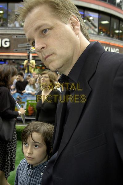 "SAMMY KIRKPATRICK & KAREY KIRKPATRICK.""Over The Hedge"" UK film premiere at Vue West End, London, UK..June 22nd, 2006.Ref: IA.headshot portrait black father son family.www.capitalpictures.com.sales@capitalpictures.com.©Capital Pictures"