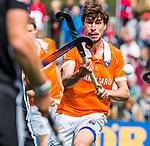 BLOEMENDAAL   - Hockey - Florian Fuchs (Bldaal) . 3e en beslissende  wedstrijd halve finale Play Offs heren. Bloemendaal-Amsterdam (0-3). Amsterdam plaats zich voor de finale.  COPYRIGHT KOEN SUYK