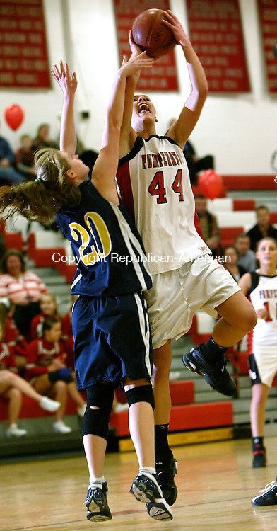 SOUTHBURY, CT 02/11/08- 021108BZ08- Pomperaug's Katie Cizynski (44) goes to the hoop against Weston's Sam Seath (20) during their game at Pomperaug High Monday.<br /> Jamison C. Bazinet Republican-American