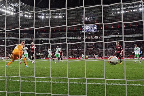 01.04.2016. Leverkusen, Germay. Bundesliga football. Bayer Leverkusen versus VFL Wolfsburg in the BayArena in Leverkusen.  Diego Benaglio (VfL Wolfsburg), Julian Brandt (Bayer 04 Leverkusen) goal for 1-0