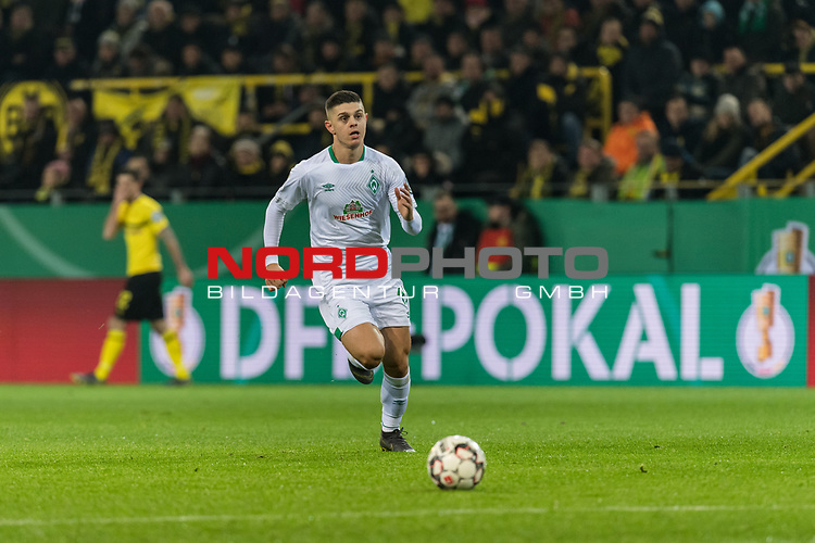 05.02.2019, Signal Iduna Park, Dortmund, GER, DFB-Pokal, Achtelfinale, Borussia Dortmund vs Werder Bremen<br /><br />DFB REGULATIONS PROHIBIT ANY USE OF PHOTOGRAPHS AS IMAGE SEQUENCES AND/OR QUASI-VIDEO.<br /><br />im Bild / picture shows<br />Milot Rashica (Werder Bremen #11), <br /><br />Foto © nordphoto / Ewert