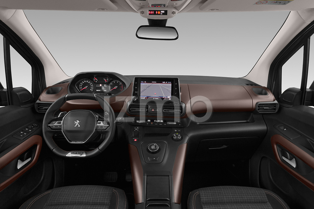 Stock photo of straight dashboard view of a 2019 Peugeot Rifter GT-Line 5 Door MPV