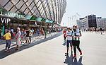 Stockholm 2014-05-24 Fotboll Superettan Hammarby IF - Varbergs BoIS FC  :  <br /> Publik Hammarby supportrar p&aring; v&auml;g till Tele2 Arena en timme innan matchstart mellan Hammarby och Varberg<br /> (Foto: Kenta J&ouml;nsson) Nyckelord:  Superettan Tele2 Arena HIF Bajen Varberg BoIS supporter fans publik supporters utomhus exteri&ouml;r exterior