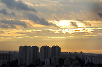 SAO PAULO, SP. 11 DE JANEIRO 2012. CLIMA TEMPO. Vista do bairro do Jabaquara, regiao sul de SP, na noite desta quarta-feira, 11. FOTO MILENE CARDOSO - NEWS FREE