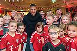 01.12.2018, Gastst&auml;tte Hoenemann, Vestrup, GER, Weihnachsfeier Bayern Fan Club Bakumer Germanen - als Gast Serge Gnabry (FC Bayern Muenchen #22)<br /> <br /> DFL REGULATIONS PROHIBIT ANY USE OF PHOTOGRAPHS AS IMAGE SEQUENCES AND/OR QUASI-VIDEO.<br /> <br />  im Bild<br /> <br /> Nach seinen 2 Toren im Nord S&uuml;d Gipfel wurde der Doppeltorsch&uuml;tze geb&uuml;hrend auf der Weihnachtsfeier der Bakumer Germanen (Landkreis Vechta) empfangen. Er stand den jungen wie auch den &auml;ltesten Fans Rede und Antwort - auch warum er nun einen Schn&auml;utzer tr&auml;gt. wie Joshua Kimmich (FC Bayern Muenchen #32). Nach der Fragerunde konnte sich Gnabry eine der FIFA 10 gegen drei Jugendlichen Fans beweisen - was ihm nicht so leicht viel<br /> <br /> Foto &copy; nordphoto / Kokenge