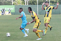 MONTERIA - COLOMBIA, 22-08-2019: Harrison Mojica de Jaguares disputa el balón con Carlos Perez de Alianza durante partido por la fecha 7 de la Liga Águila II 2019 entre Jaguares de Córdoba F.C. y Alianza Petrolera jugado en el estadio Jaraguay de la ciudad de Montería. / Harrison Mojica of Jaguares struggles the ball with Carlos Perez of Alianza during match for the date 7 as part Aguila League II 2019 between Jaguares de Cordoba F.C. and Alianza Petrolera played at Jaraguay stadium in Monteria city. Photo: VizzorImage / Cont