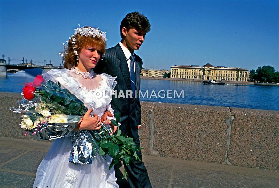 Casal em São Petersburgo. Rússia. 2000. Foto de Nair Benedicto.