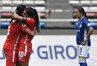 CALI - COLOMBIA, 14-09-2019: Carolina Pineda y Catalina Usme del América celebran después del partido por la semifinal vuelta de la Liga Femenina Aguila 2019 entre América Cali y Millonarios Petrolera jugado en el estadio Pascual Guerrero de la ciudad de Cali. / Carolina Pineda and Catalina Usme of América celebrate after second leg match for the semifinals as part of Aguila Women League 2019 between America de Cali and Millonarios played at Pascual Guerrero stadium in Cali. Photo: VizzorImage / Gabriel Aponte / Staff