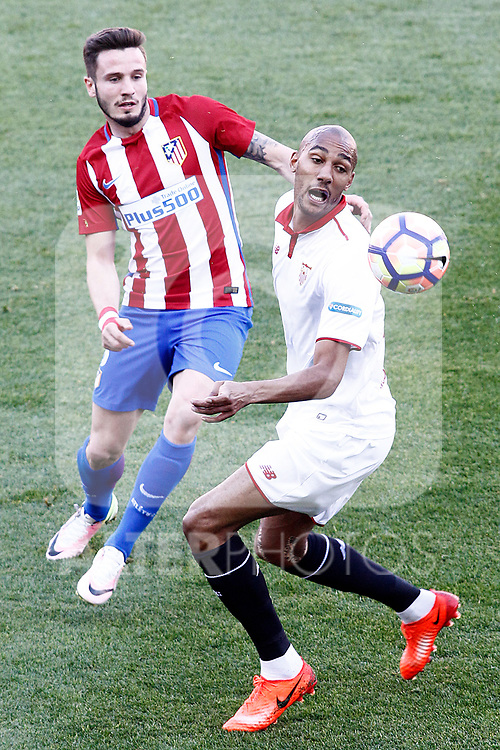 Atletico de Madrid's Saul Niguez (l) and Sevilla FC's Steven N'Zonzi during La Liga match. March 19,2017. (ALTERPHOTOS/Acero)