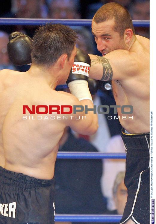 WBA Light Heavyweight Championship<br /> <br /> Fabrice Tiozzo vs. Dariusz Michalczewski<br /> <br /> Technischer  Ko fuer den Tiger in der sechsten Runde - Sieger Fabrice Tiozzo<br /> <br /> Foto &copy; nordphoto <br /> <br /> <br /> <br /> <br /> <br /> <br /> <br />  *** Local Caption *** Foto ist honorarpflichtig! zzgl. gesetzl. MwSt.<br /> <br />  Belegexemplar erforderlich<br /> <br /> Adresse: nordphoto<br /> <br /> Georg-Reinke-Strasse 1<br /> <br /> 49377 Vechta