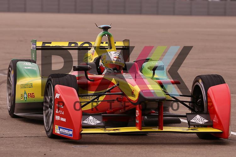 Berlin, 23.05.2015, Motorsport, FIA Formel E Championship, Formel E DHL Berlin ePrix, 8. Rennen : Daniel Abt (Audi Sport ABT, #66)<br /> <br /> Foto &copy; P-I-X.org *** Foto ist honorarpflichtig! *** Auf Anfrage in hoeherer Qualitaet/Aufloesung. Belegexemplar erbeten. Veroeffentlichung ausschliesslich fuer journalistisch-publizistische Zwecke. For editorial use only.