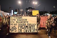SAO BERNARDO DO CAMPO, SP,01 de julho 2013- Protetso do passe livre em Sao Bernado do Campo termina em confronto com a Policia Militar no Paco Municipal na Avia Anchieta foi broqueada ADRIANO LIMA / BRAZIL PHOTO PRESS).
