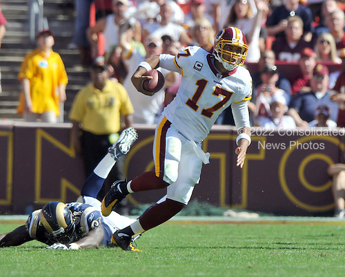 Landover, MD - October 12, 2008 -- Washington Redskins quarterback Jason Campbell (17) scrambles for a first down in game action against the St. Louis Rams at FedEx Field in Landover, Maryland on Sunday, October 12, 2008.  The Rams won the game 19 - 17..Credit: Ron Sachs / CNP