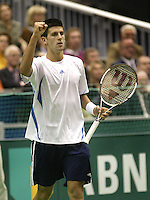 23-2-06, Netherlands, tennis, Rotterdam, ABNAMROWTT,  Novak Djokovic makes a fist after defeatinf  Tim Henman