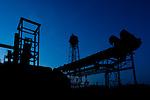 The silhouette of the ancient smeltery Phoenix in Dortmund-Hoerde in the magic hour./ Die Silhouette des ehemaligen Hüttenwerkes Phoenix West in Dortmund-Hörde während der blauen Stunde.