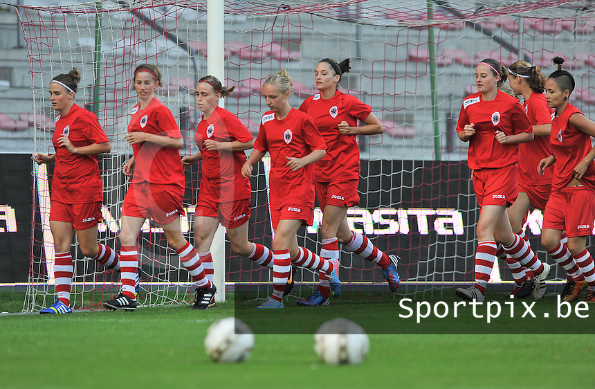 20130903 - ANTWERPEN , BELGIUM : Antwerp Ladies pictured in the warming up before the female soccer match between Royal Antwerp FC Vrouwen and SC Heerenveen at the BOSUIL STADIUM , of the second matchday in the BENELEAGUE competition. Tuesday 3 September 2013. PHOTO DAVID CATRY