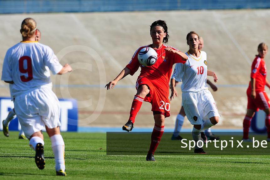 European Women's Under - 19 Championship 2011 Italy : Russia - Belgium U19 : Nadezhda Koltakova aan de bal.foto DAVID CATRY / VROUWENTEAM.BE