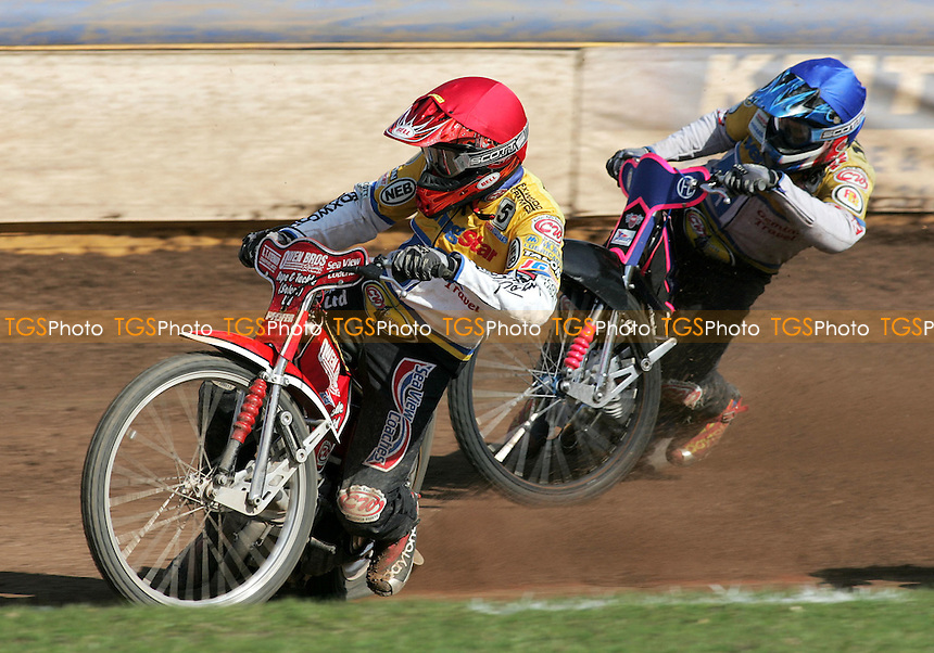 Ipswich Witches vs Arena Essex - Elite League 'A' - 14/04/06 - Heat 11- Mark Loram (red) and Jan Jaros on their way to a 4-2 - (Gavin Ellis 2006)