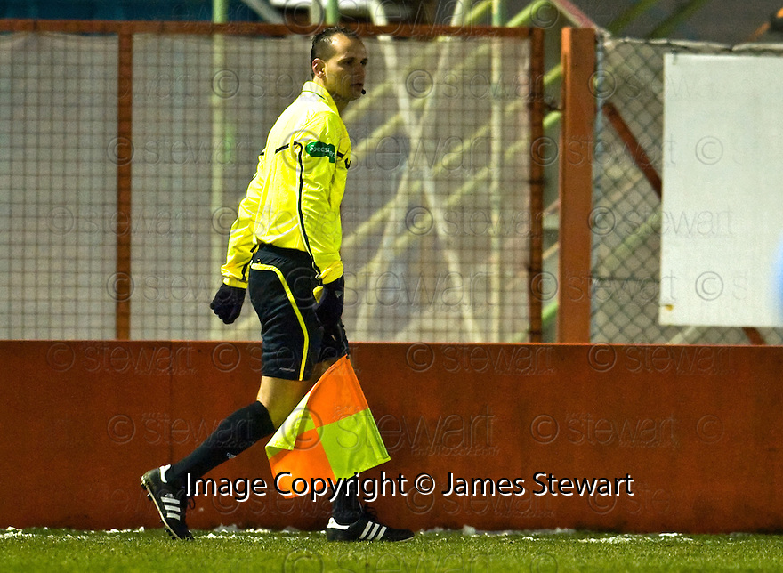 27/11/2010   Copyright  Pic : James Stewart.sct_jsp011_hamilton_v_st_mirren  .::  THE ISRAELI ASSISTANT REFEREE WHO FLAGGED AS PAUL MCGOWAN SCORED ::.James Stewart Photography 19 Carronlea Drive, Falkirk. FK2 8DN      Vat Reg No. 607 6932 25.Telephone      : +44 (0)1324 570291 .Mobile              : +44 (0)7721 416997.E-mail  :  jim@jspa.co.uk.If you require further information then contact Jim Stewart on any of the numbers above.........