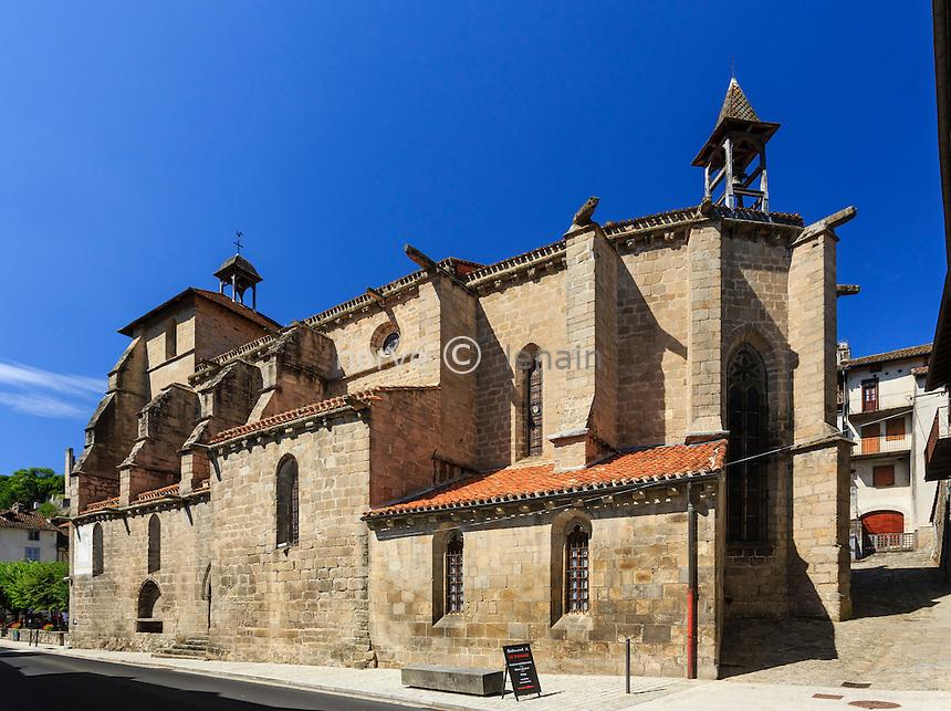France, Cantal (15), Laroquebrou, église Saint-Martin // France, Cantal, Laroquebrou, Saint Martin church