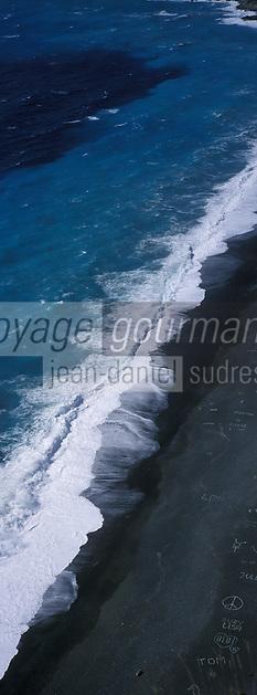 Europe/France/Corse/2B/Haute-Corse/Cap Corse/Nonza: La plage de galets noirs