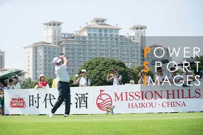 Mark O'Meara tees off the 10th hole during the World Celebrity Pro-Am 2016 Mission Hills China Golf Tournament on 22 October 2016, in Haikou, China. Photo by Marcio Machado / Power Sport Images