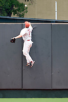 Outfielder Max White #7 of the Oklahoma Sooners watches a Texas Longhorns home run fly over the wall in NCAA Big XII baseball on May 1, 2011 at Disch Falk Field in Austin, Texas. (Photo by Andrew Woolley / Four Seam Images)