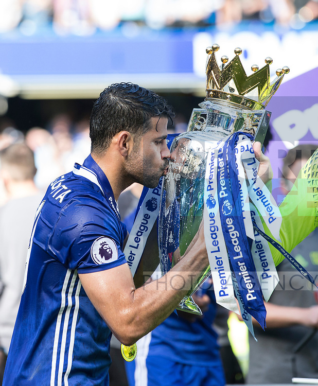 Chelsea's Diego Costa celebrates with the trophy during the Premier League match at Stamford Bridge Stadium, London. Picture date: May 18th, 2017. Pic credit should read: David Klein/Sportimage