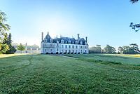France, Loir-et-Cher (41), Cellettes, Château de Beauregard (façade sud-ouest) et parc
