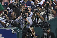 Fotografos de deportes, sports photographers, durante el  partido final de la Serie del Caribe en el nuevo Estadio de  los Tomateros en Culiacan, Mexico, Martes  7 Feb 2017. Foto: AP/Luis Gutierrez
